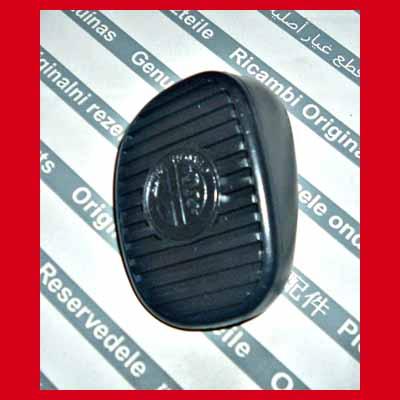 Alfa Romeo Pedalgummi Bremspedal 937 147 + GT Emblem Logo NEU