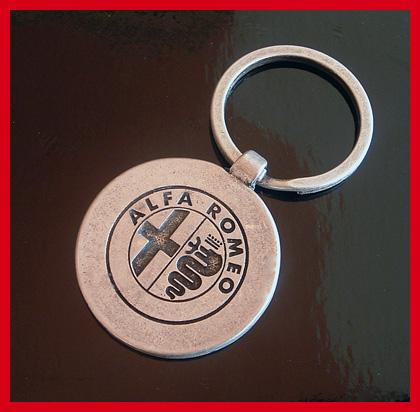 Alfa Romeo Schlüsselanhänger Schlüsselring Youngtimer Vintage silber Emblem