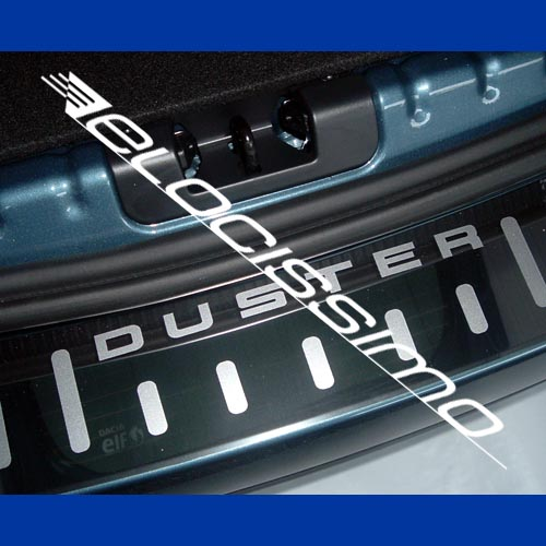 Dacia Duster Ladekantenschutz Chrom Schriftzug silber matt Leiste Stoßstange