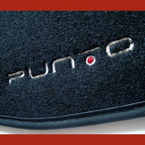 Fiat Grande Punto EVO Teppich Fußmatten Velour Logo