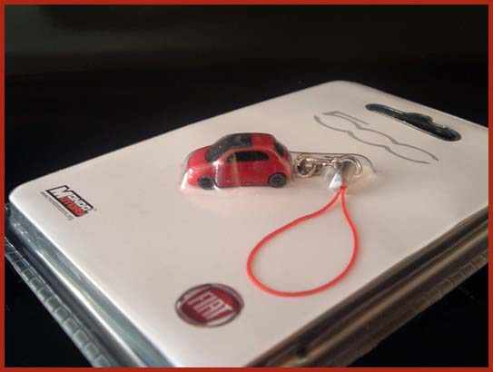 Fiat 500 Cinquecento Anhänger ROT Handy Tasche Modell