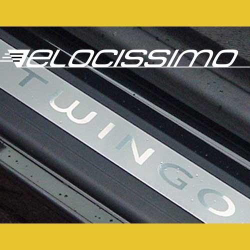 Renault Twingo 2 Einstiegsleisten Schriftzug Logo Chrom Silber Alu Original NEU